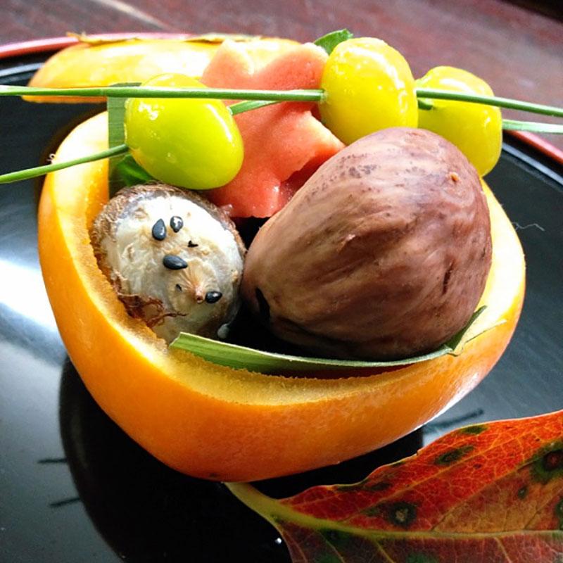 秋の味覚を盛り込んで「柿釜盛」