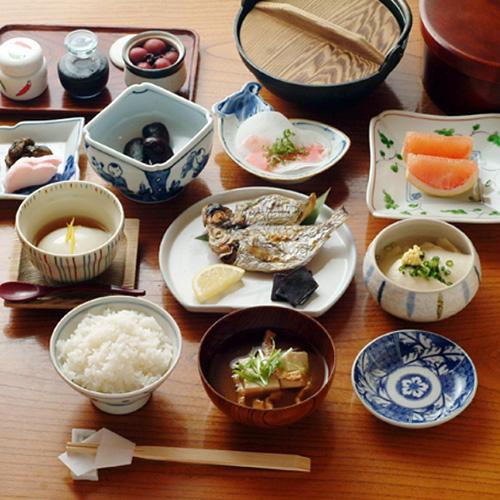 日本の朝ご飯